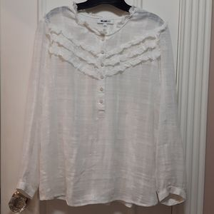 🛍️ White blouse with silver threading
